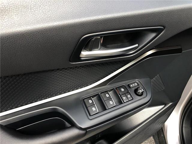 2018 Toyota C-HR XLE (Stk: U10729) in Burlington - Image 12 of 18