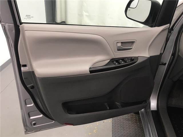 2017 Toyota Sienna  (Stk: 210331) in Lethbridge - Image 11 of 26