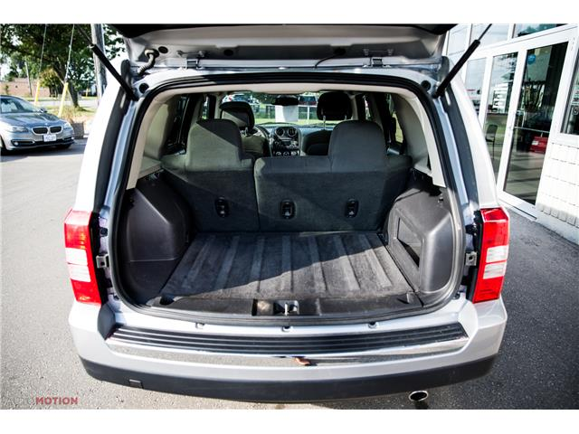 2016 Jeep Patriot Sport/North (Stk: 191035) in Chatham - Image 6 of 24