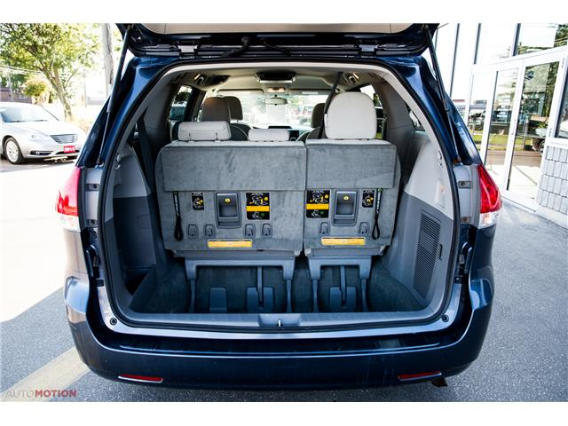 2014 Toyota Sienna 7 Passenger (Stk: 19852) in Chatham - Image 9 of 24