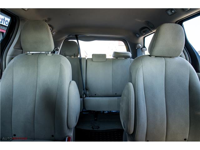 2014 Toyota Sienna 7 Passenger (Stk: 19852) in Chatham - Image 22 of 24