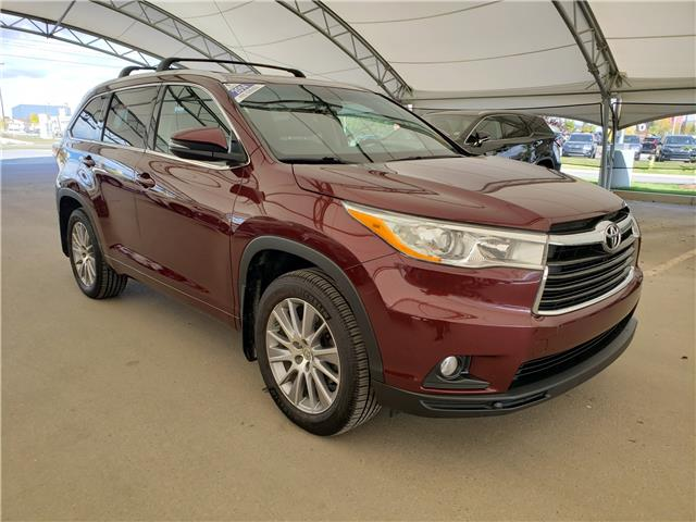2014 Toyota Highlander XLE (Stk: L19590A) in Calgary - Image 1 of 24