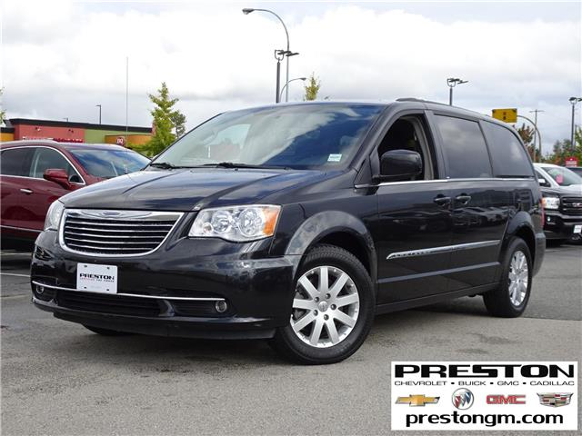 2014 Chrysler Town & Country Touring (Stk: 8025842) in Langley City - Image 1 of 27