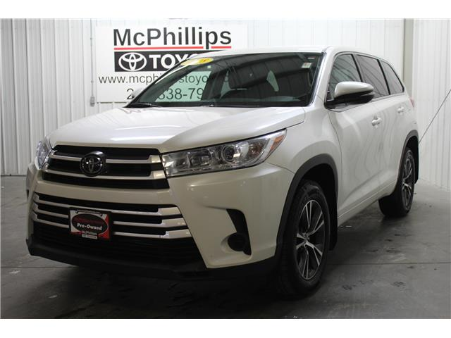 2018 Toyota Highlander LE (Stk: A14027) in Winnipeg - Image 1 of 25