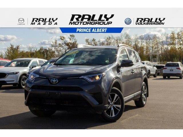 2018 Toyota RAV4 LE (Stk: V1024) in Prince Albert - Image 1 of 11