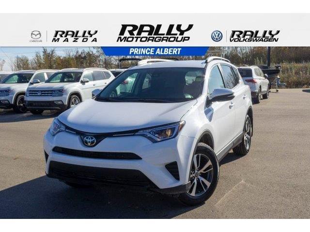 2018 Toyota RAV4 LE (Stk: V1038) in Prince Albert - Image 1 of 11
