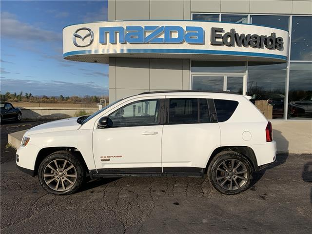 2017 Jeep Compass Sport/North (Stk: 22097) in Pembroke - Image 1 of 8
