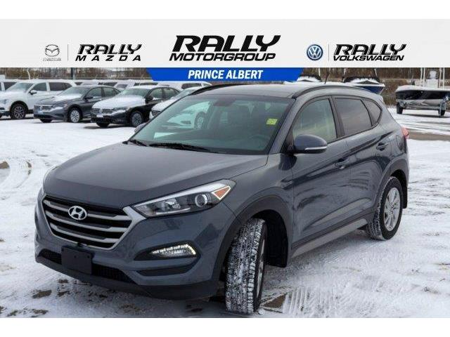 2017 Hyundai Tucson SE (Stk: V813A) in Prince Albert - Image 1 of 11