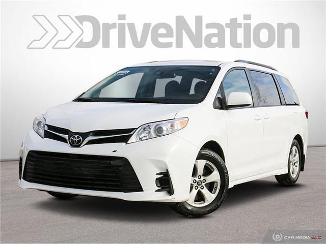 2018 Toyota Sienna LE 8-Passenger (Stk: F569A) in Saskatoon - Image 1 of 27