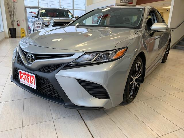 2019 Toyota Camry SE (Stk: CV102) in Cobourg - Image 1 of 7