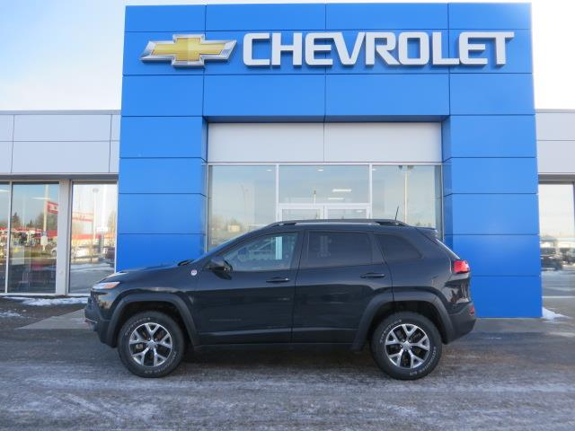 2016 Jeep Cherokee Trailhawk (Stk: 19255A) in STETTLER - Image 1 of 21