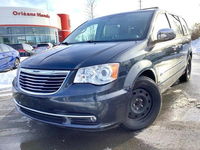 2013 Chrysler Town & Country Limited (Stk: 200031A) in Orléans - Image 1 of 24