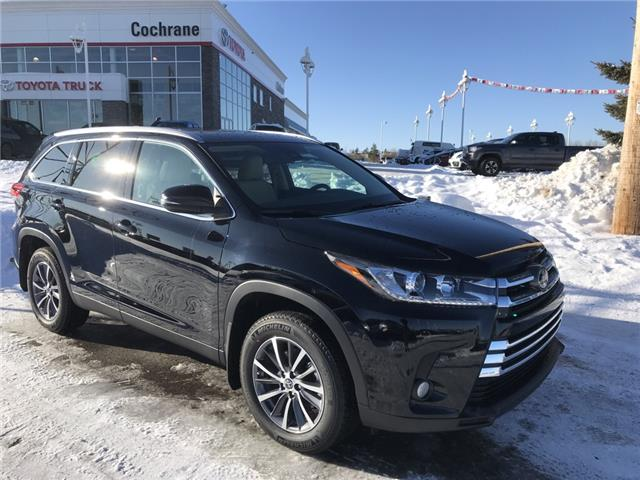 2019 Toyota Highlander XLE (Stk: 190493) in Cochrane - Image 1 of 25