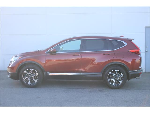 2018 Honda CR-V Touring (Stk: L19-125) in Vernon - Image 2 of 14