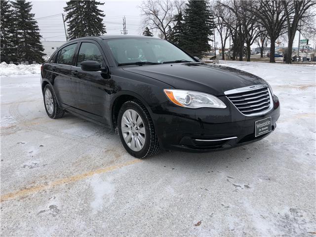 2014 Chrysler 200 LX (Stk: 9972.0) in Winnipeg - Image 1 of 19