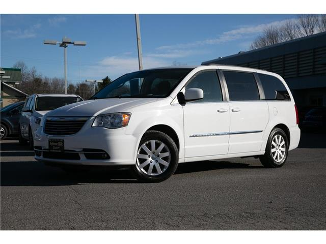 2015 Chrysler Town & Country Touring (Stk: 20374a) in Gatineau - Image 1 of 24