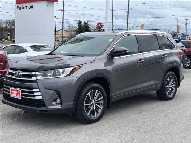 2017 Toyota Highlander XLE (Stk: W4930) in Cobourg - Image 1 of 24