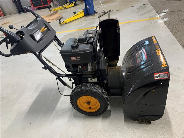 2021 UTILITY POULAN PRO 828 SNOWBLOWER (Stk: ) in Kanata - Image 1 of 1