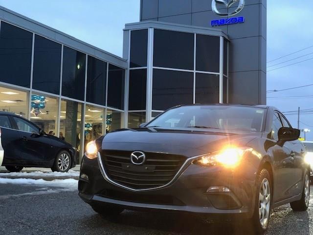 2015 Mazda Mazda3 GX (Stk: 206581) in Gloucester - Image 1 of 13