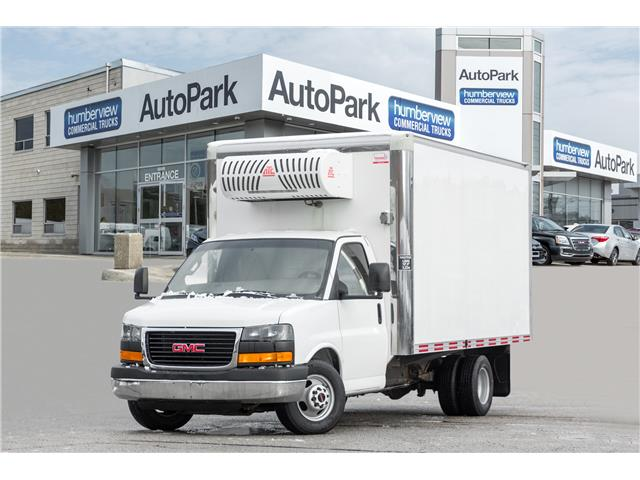 2016 GMC Savana Cutaway 3500 1WT (Stk: CTDR3963) in Mississauga - Image 1 of 18
