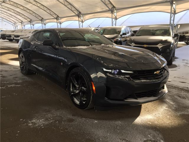 2019 Chevrolet Camaro 3LT 1G1FC1RS0K0140704 173878 in AIRDRIE