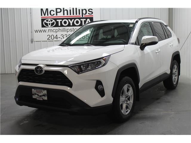 2020 Toyota RAV4 XLE (Stk: W102183) in Winnipeg - Image 1 of 24