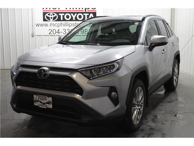 2020 Toyota RAV4 XLE (Stk: C088897) in Winnipeg - Image 1 of 24