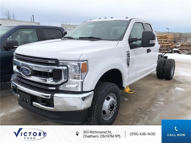 2020 Ford F-350 Chassis XLT (Stk: VFF19148) in Chatham - Image 1 of 5