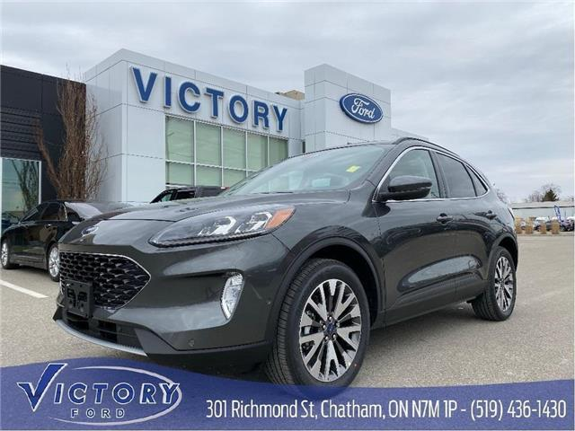 2020 Ford Escape Titanium (Stk: VEP19120) in Chatham - Image 1 of 12