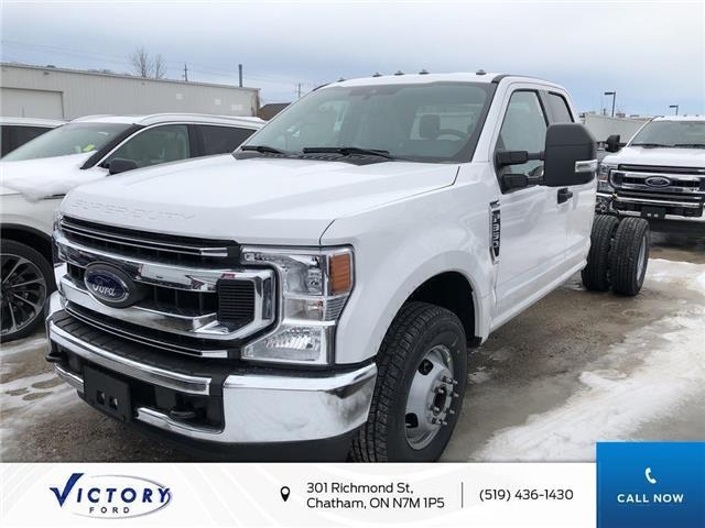 2020 Ford F-350 Chassis XLT (Stk: VFF19128) in Chatham - Image 1 of 5
