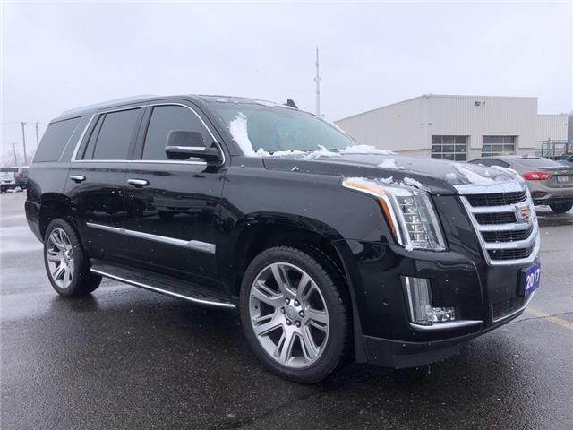 2017 Cadillac Escalade Luxury (Stk: U-2211RJ) in Tillsonburg - Image 1 of 30