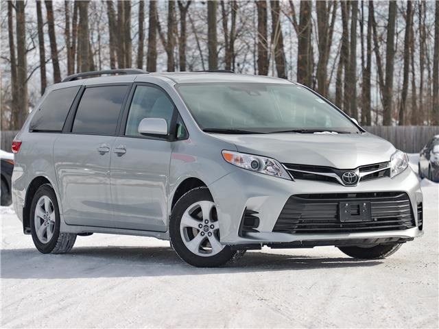2020 Toyota Sienna LE 8-Passenger (Stk: 3669) in Welland - Image 1 of 21