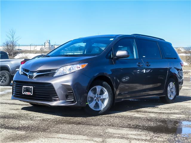 2020 Toyota Sienna LE 8-Passenger (Stk: 04045) in Waterloo - Image 1 of 18