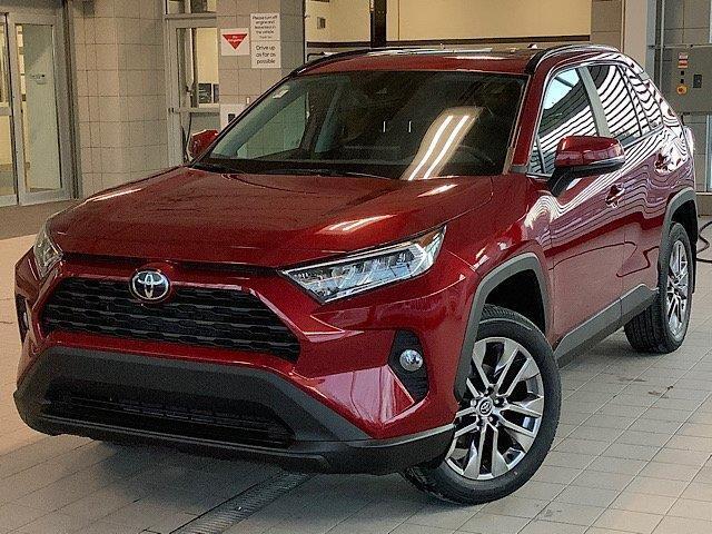 2020 Toyota RAV4 XLE (Stk: 22092) in Kingston - Image 1 of 30