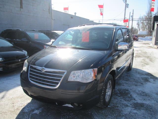 2009 Chrysler Town & Country Touring (Stk: p37355) in Saskatoon - Image 1 of 17