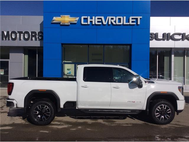 2020 GMC Sierra 2500HD AT4 (Stk: 7201410) in Whitehorse - Image 1 of 25