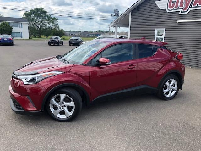 2018 Toyota C-HR XLE (Stk: 047089) in Sussex - Image 1 of 12