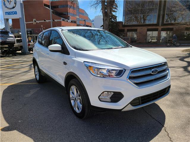 2019 Ford Escape SE 1FMCU9GD2KUB39181 N3037 in Calgary