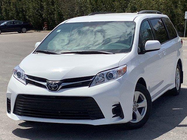 2020 Toyota Sienna LE 8-Passenger (Stk: 22109) in Kingston - Image 1 of 27