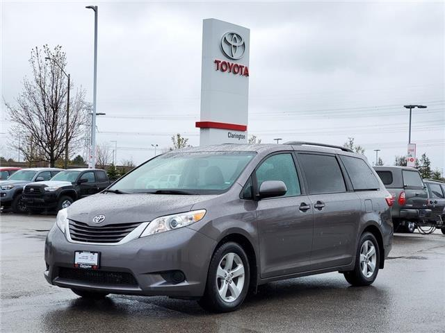 2016 Toyota Sienna  (Stk: P2452) in Bowmanville - Image 1 of 25