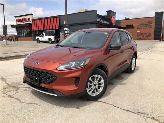 2020 Ford Escape S (Stk: ES20158) in Barrie - Image 1 of 17