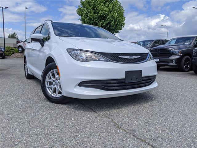 2017 Chrysler Pacifica LX (Stk: LC0337) in Surrey - Image 1 of 21