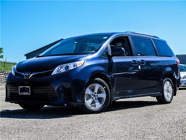 2020 Toyota Sienna LE 8-Passenger (Stk: 04053) in Waterloo - Image 1 of 18