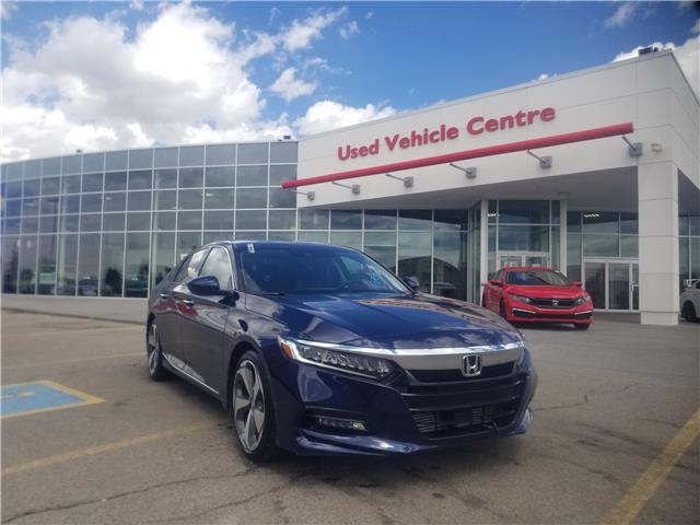 2018 Honda Accord Touring (Stk: 6200144A) in Calgary - Image 1 of 30