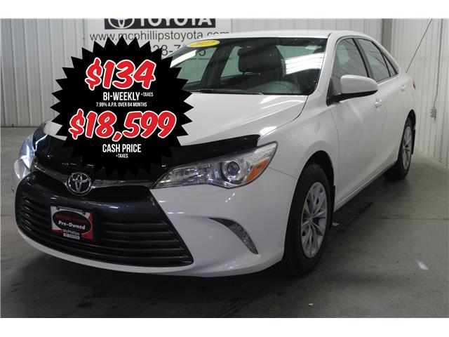 2017 Toyota Camry LE (Stk: W096987A) in Winnipeg - Image 1 of 25