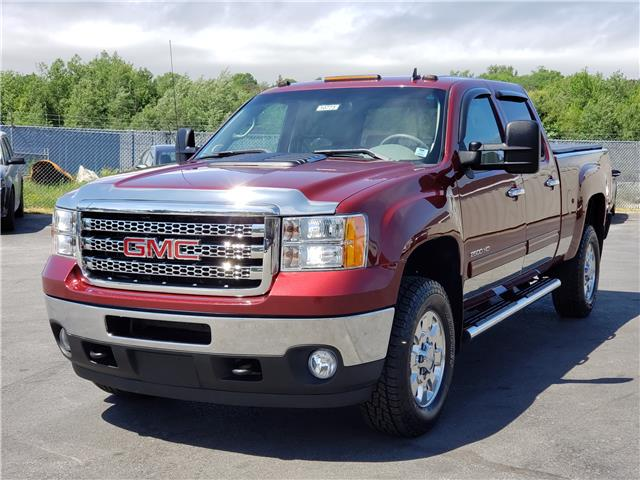 2014 GMC Sierra 2500HD SLT 1GT121C82EF110588 10773 in Lower Sackville