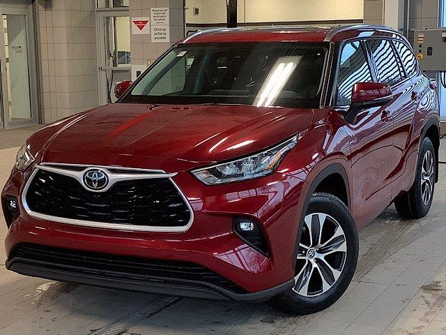 2020 Toyota Highlander XLE (Stk: 22223) in Kingston - Image 1 of 30