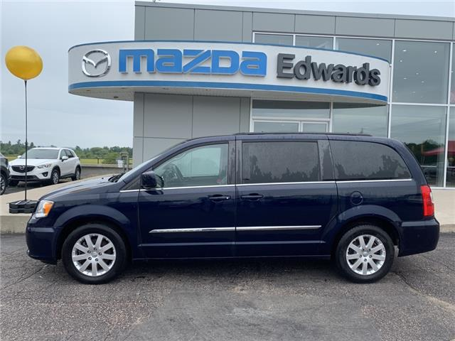 2015 Chrysler Town & Country Touring-L (Stk: 22297) in Pembroke - Image 1 of 11
