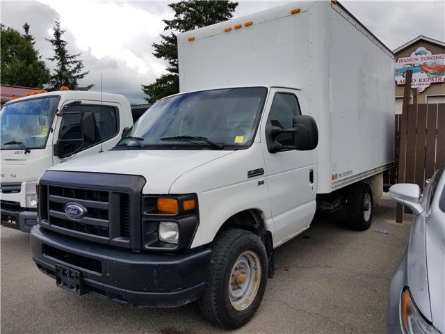 2011 Ford E-350 Cutaway Base (Stk: ) in Kemptville - Image 1 of 1