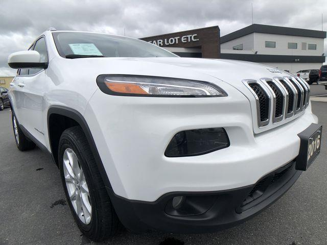 2016 Jeep Cherokee North (Stk: 20305) in Sudbury - Image 1 of 24